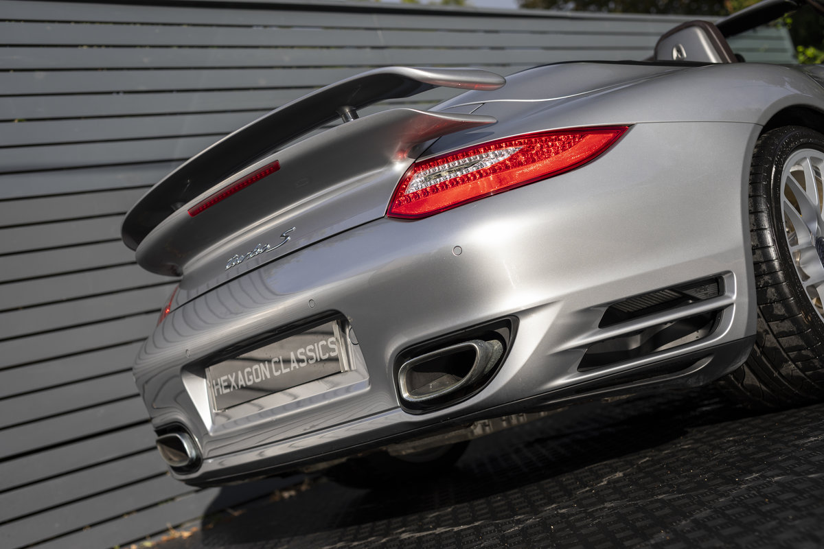 2010 Porsche 997 Turbo S Cabriolet  ONLY 1700 MILES For Sale (picture 12 of 23)