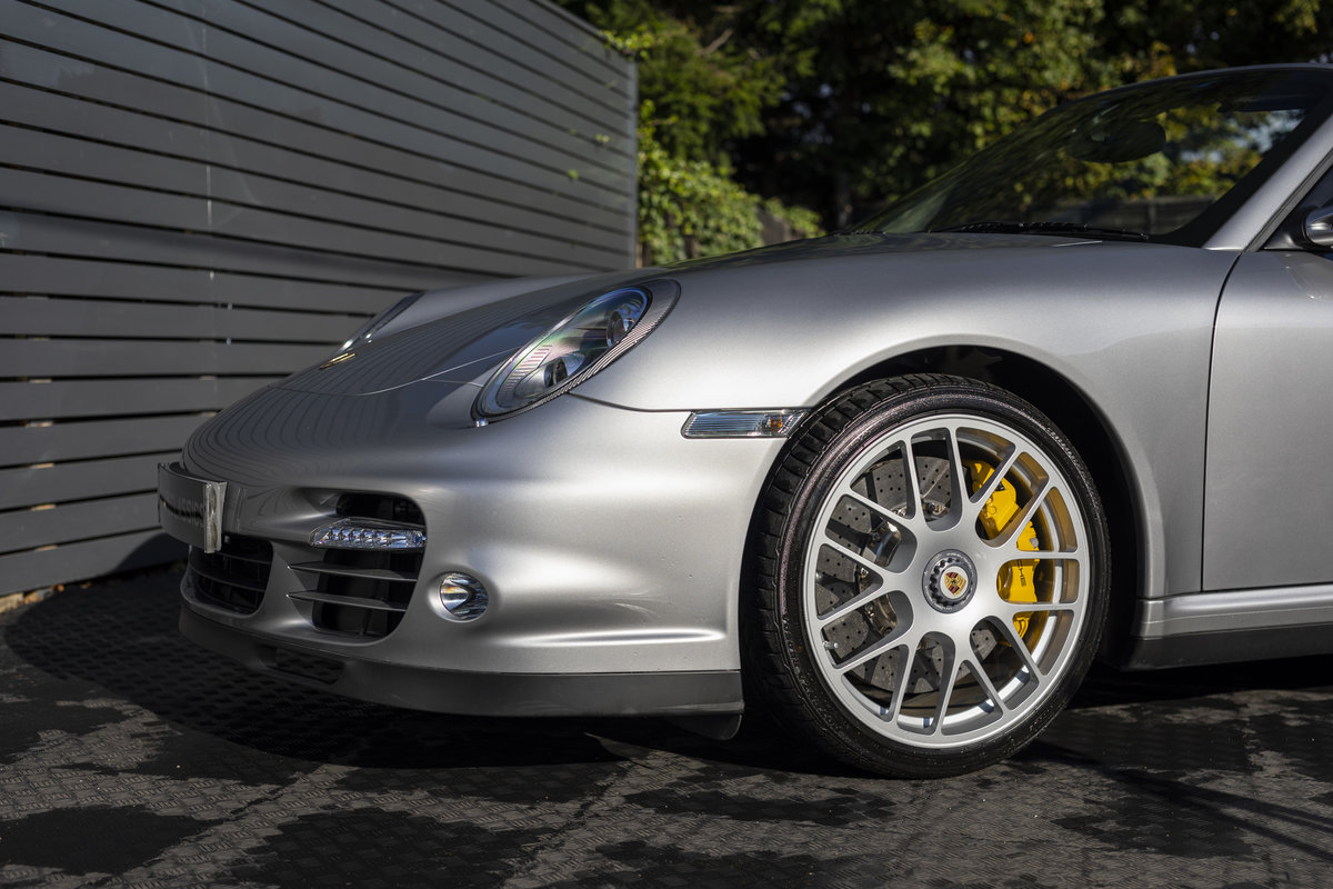2010 Porsche 997 Turbo S Cabriolet  ONLY 1700 MILES For Sale (picture 13 of 23)