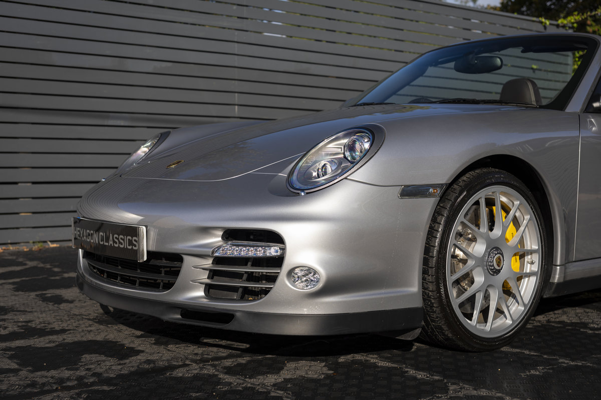 2010 Porsche 997 Turbo S Cabriolet  ONLY 1700 MILES For Sale (picture 17 of 23)