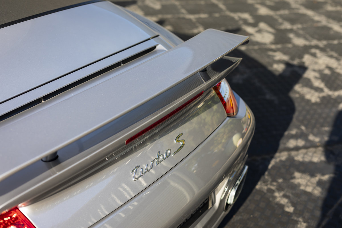 2010 Porsche 997 Turbo S Cabriolet  ONLY 1700 MILES For Sale (picture 18 of 23)