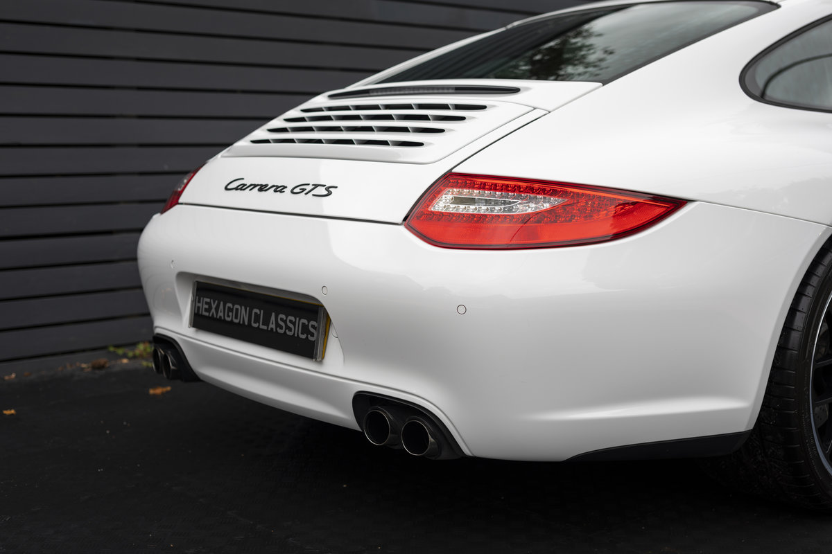 2011 PORSCHE 997 GTS COUPE PDK ONLY 18400 Miles For Sale (picture 14 of 24)