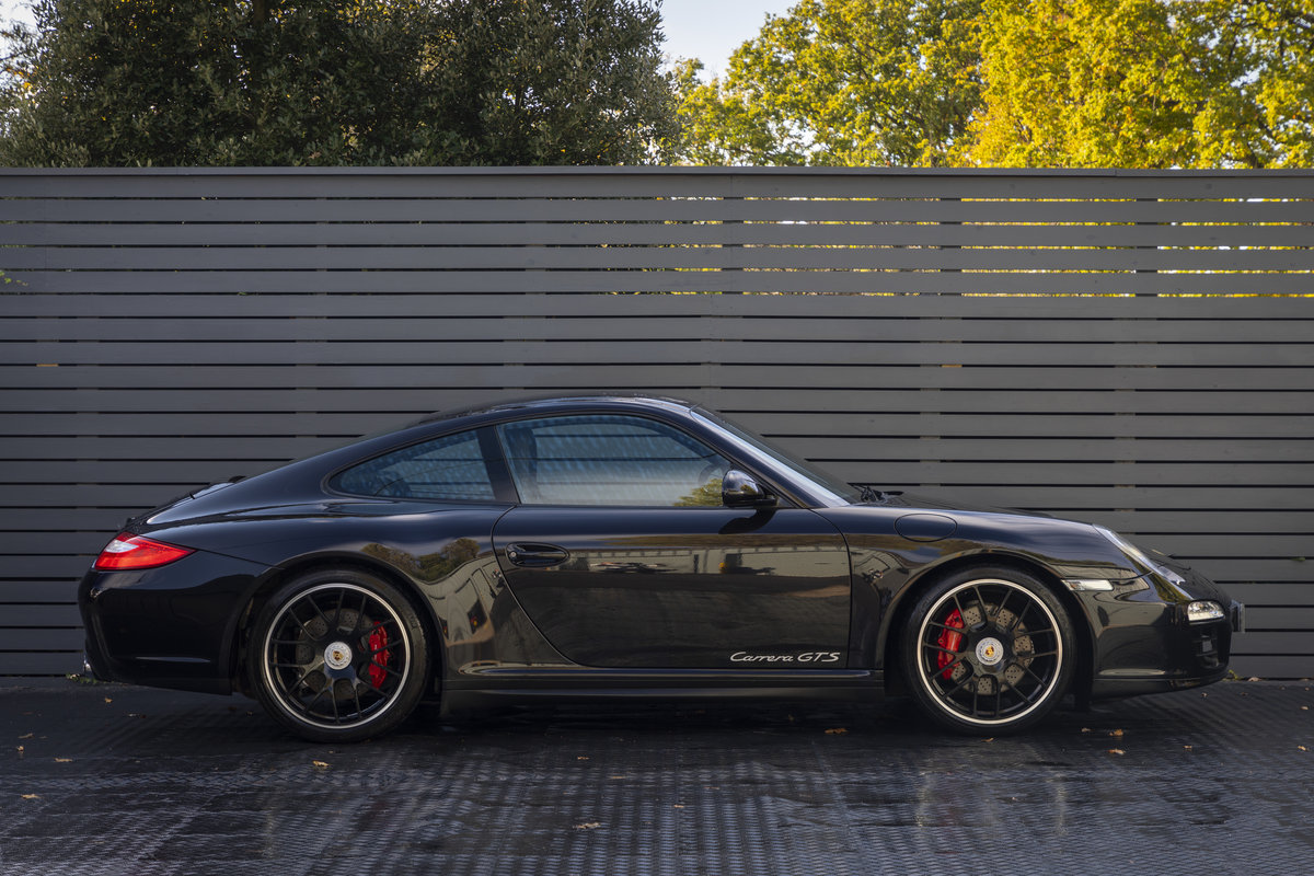 2011 PORSCHE 997 GTS COUPE PDK ONLY 22900 Miles For Sale (picture 5 of 18)