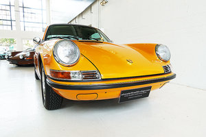 Picture of 1971 orig. RHD, fully restored 911 T in orig. Signal Orange SOLD