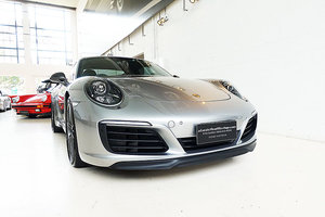 2018 lightweight 991 Carrera T in GT Silver, low kms, superb