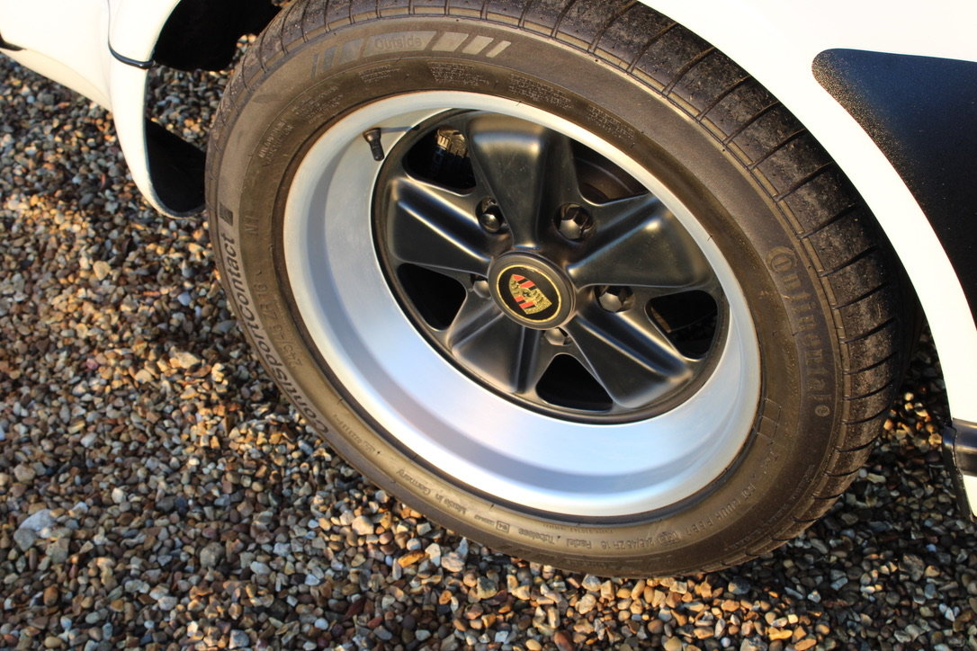 1987 PORSCHE 911 SUPERSPORT CAB – 60,000 MILES – £75,950 For Sale (picture 14 of 23)