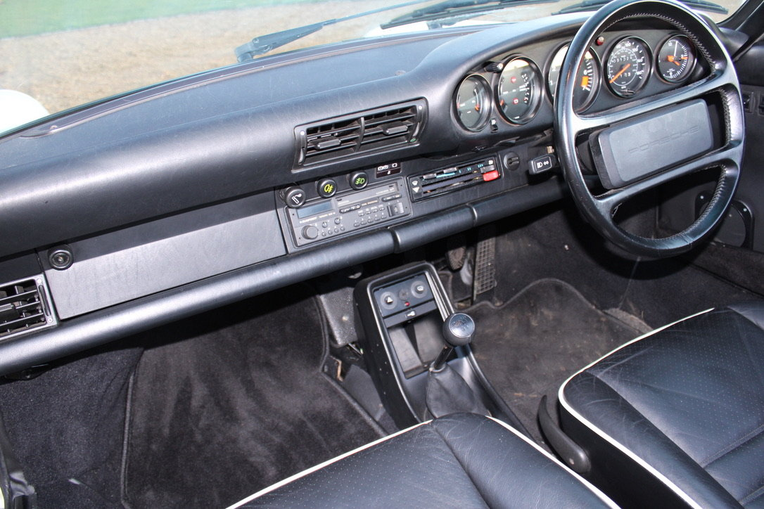1987 PORSCHE 911 SUPERSPORT CAB – 60,000 MILES – £75,950 For Sale (picture 20 of 23)