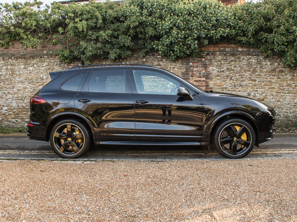 2016 Porsche    Cayenne Turbo S  For Sale (picture 1 of 18)