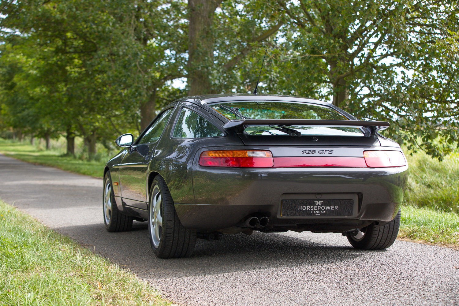 1994 PORSCHE 928 GTS - EXTREMELY PRESENTABLE UK SUPPLIED RHD CAR For Sale (picture 2 of 6)