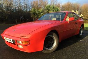 1983 Porsche 944 2.5l manual red w/beige interior