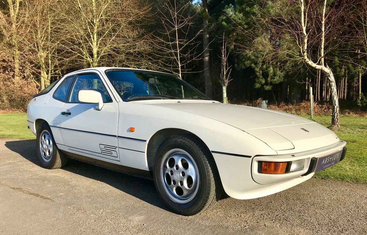 1986 Porsche 924S Manual - Low Mileage, FSH, Utterly Gorgeou SOLD (picture 1 of 6)