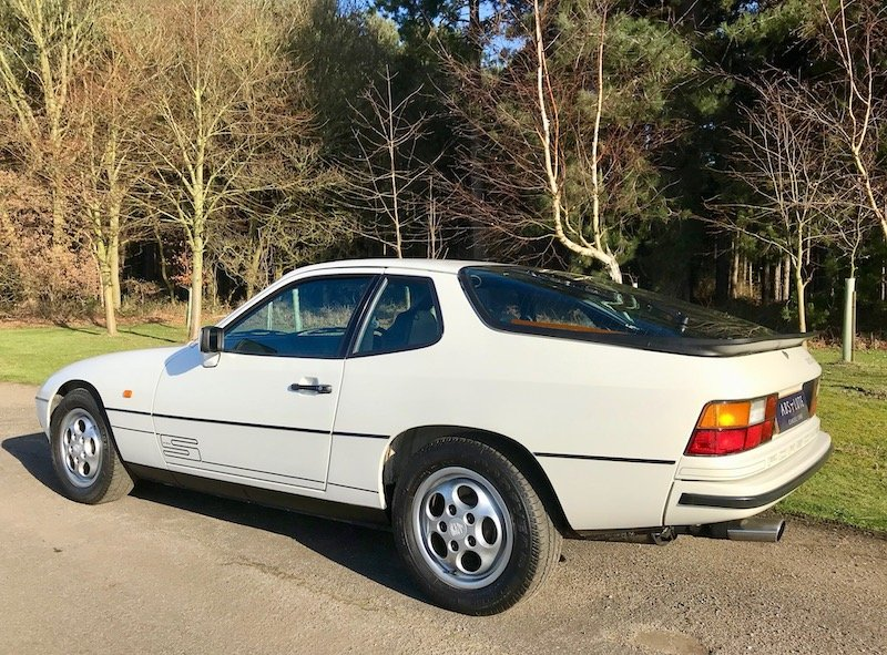 1986 Porsche 924S Manual - Low Mileage, FSH, Utterly Gorgeou SOLD (picture 2 of 6)
