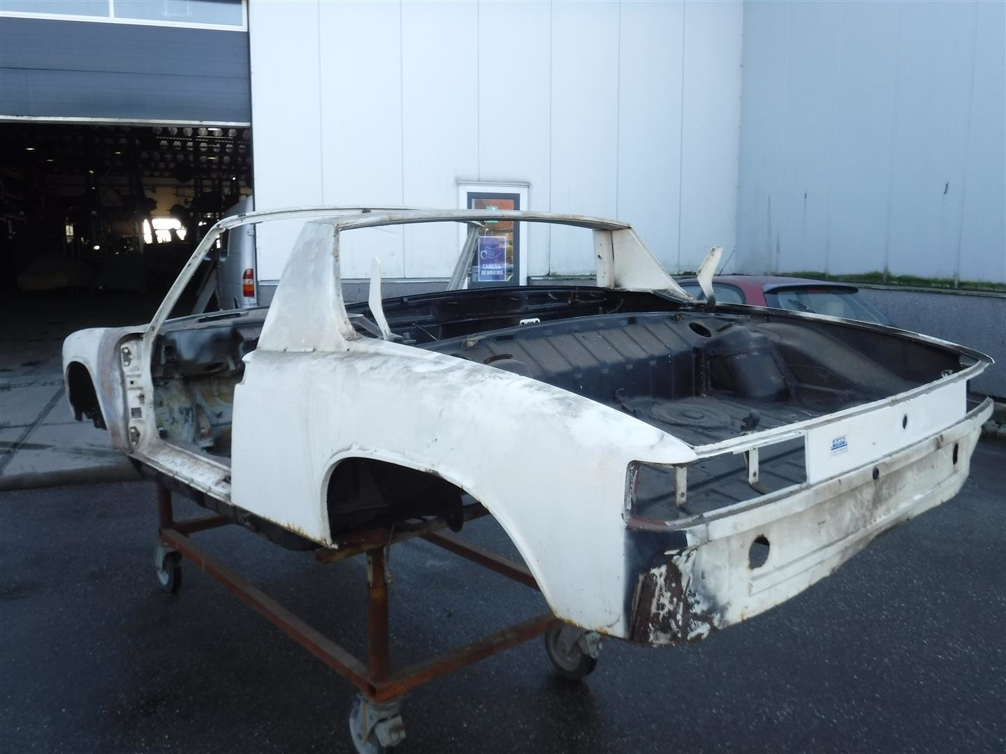 1972 Porsche 914 red and white body For Sale (picture 4 of 6)