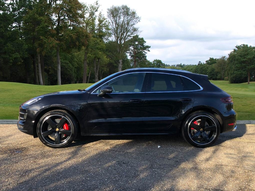 2018 Porsche  MACAN  TURBO PERFORMANCE PDK  59,948 For Sale (picture 2 of 24)