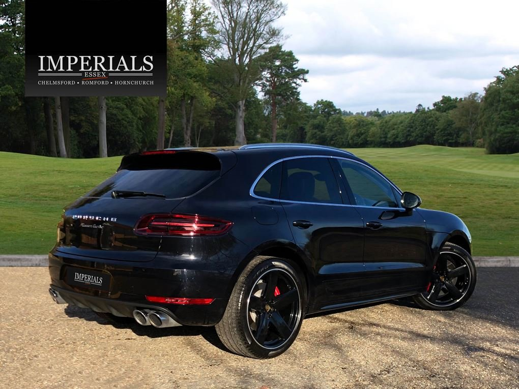 2018 Porsche  MACAN  TURBO PERFORMANCE PDK  59,948 For Sale (picture 4 of 24)