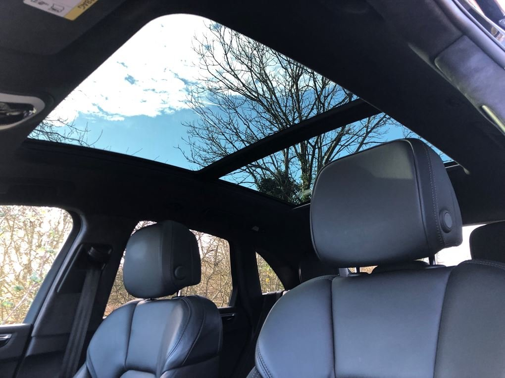 2018 Porsche  MACAN  TURBO PERFORMANCE PDK  59,948 For Sale (picture 7 of 24)