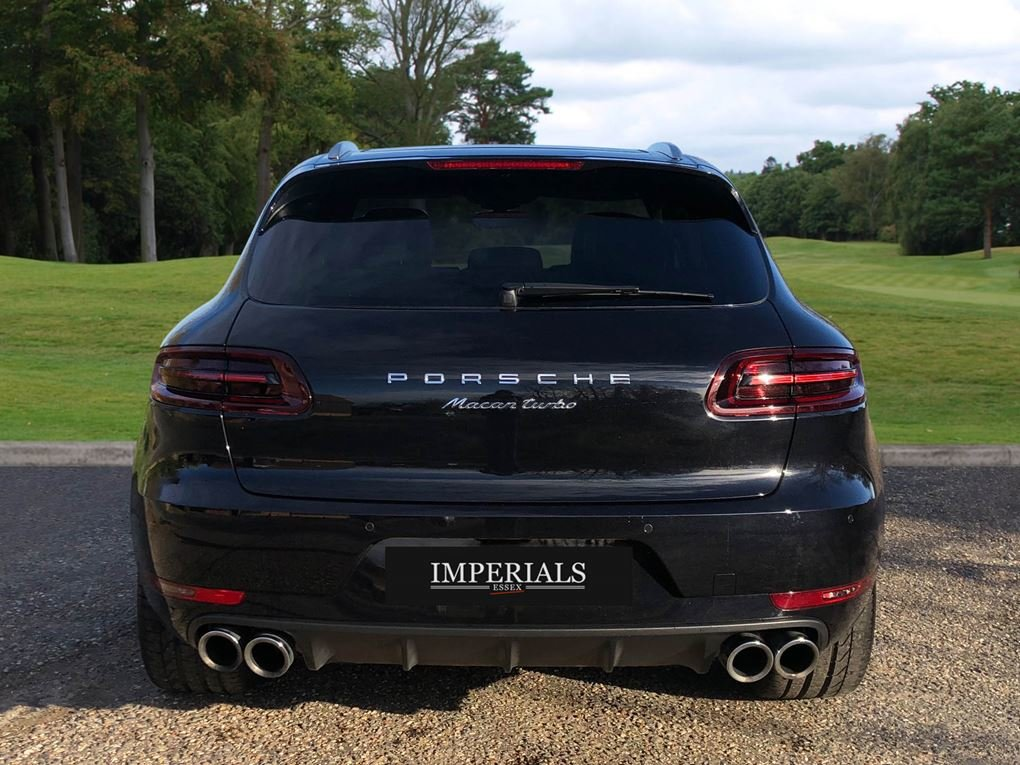2018 Porsche  MACAN  TURBO PERFORMANCE PDK  59,948 For Sale (picture 11 of 24)