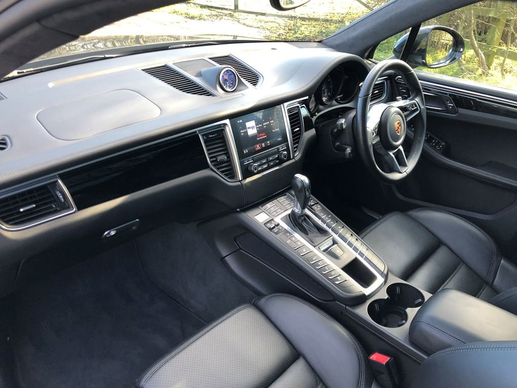 2018 Porsche  MACAN  TURBO PERFORMANCE PDK  59,948 For Sale (picture 12 of 24)