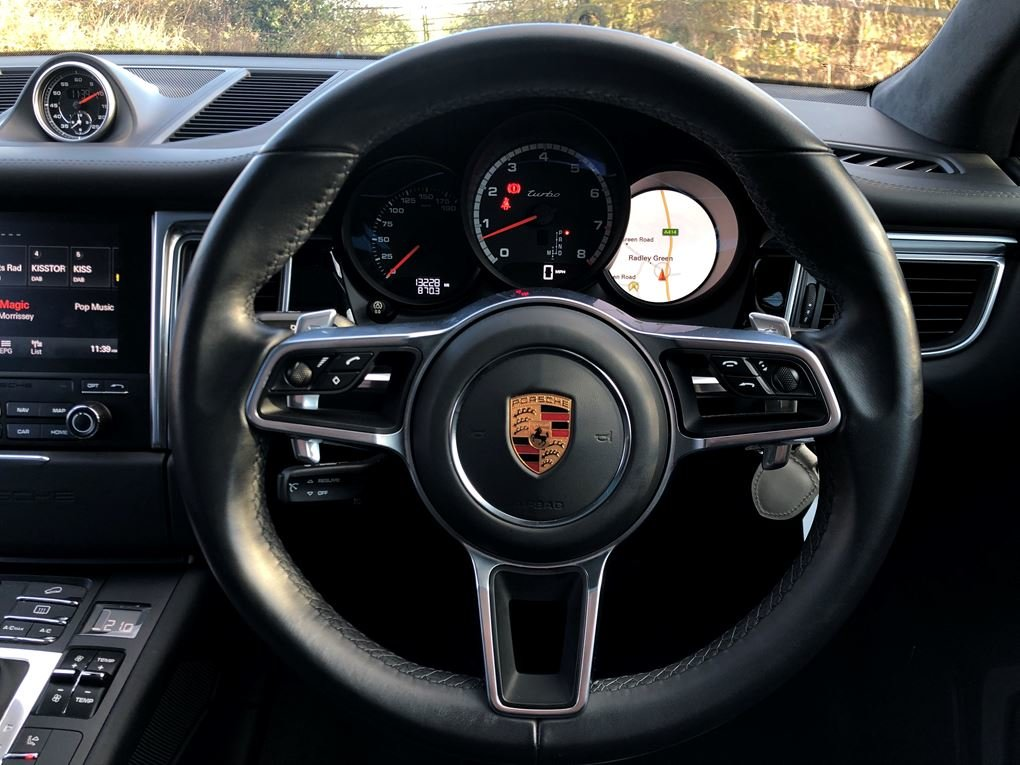 2018 Porsche  MACAN  TURBO PERFORMANCE PDK  59,948 For Sale (picture 18 of 24)