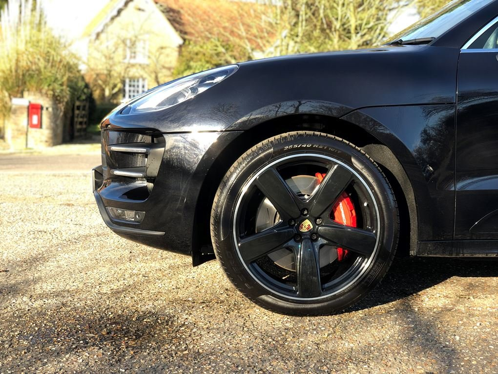 2018 Porsche  MACAN  TURBO PERFORMANCE PDK  59,948 For Sale (picture 22 of 24)