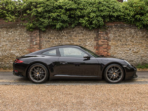 2018 Porsche    (991.2) 911 Carrera T - 7 Speed Manual