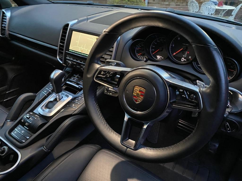 £29,950 : 2015 PORSCHE CAYENNE 3.0 TD AUTOMATIC For Sale (picture 5 of 6)
