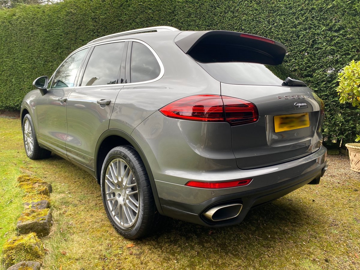 £29,950 : 2015 PORSCHE CAYENNE 3.0 TD AUTOMATIC For Sale (picture 2 of 6)