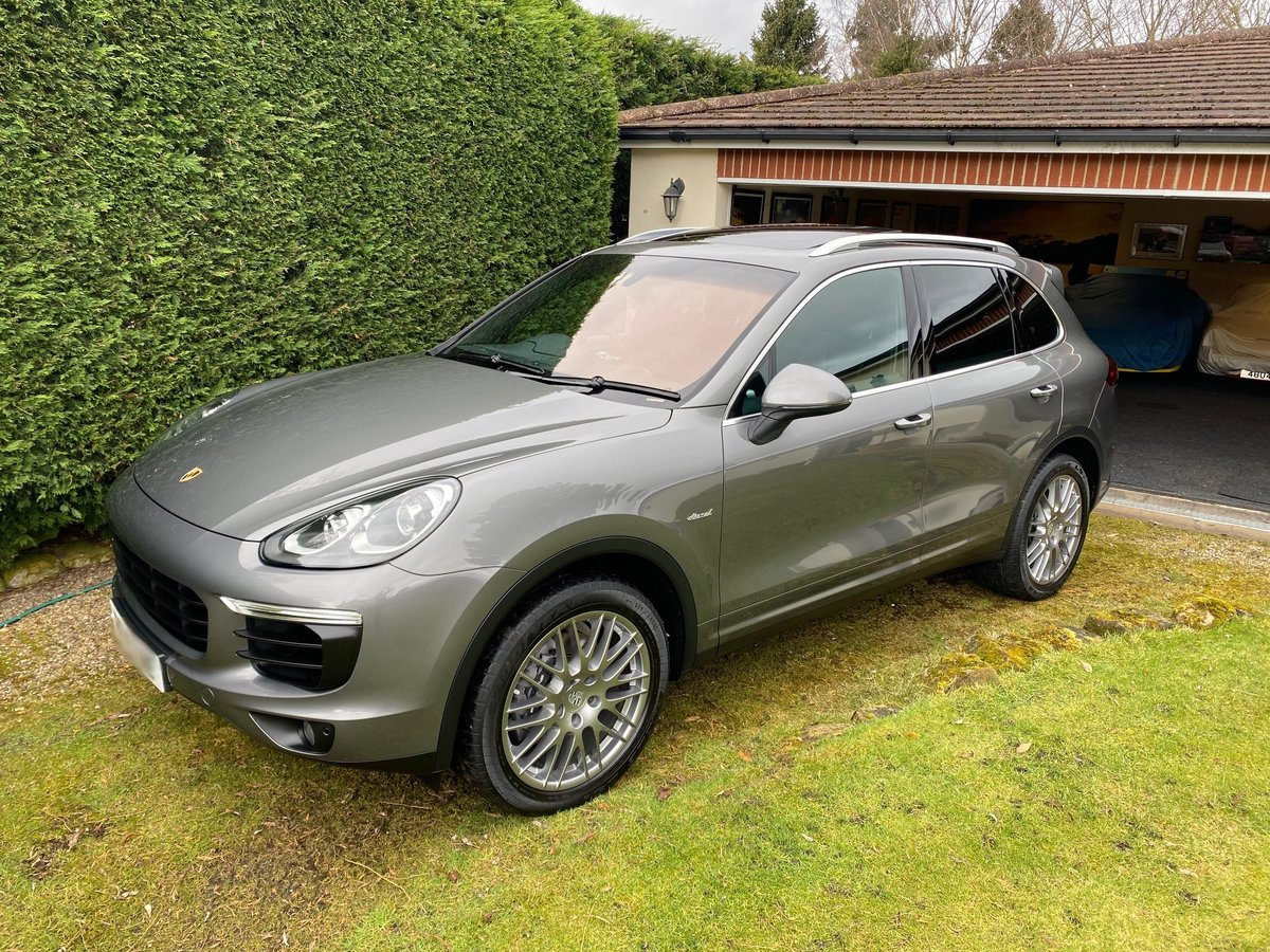 £29,950 : 2015 PORSCHE CAYENNE 3.0 TD AUTOMATIC For Sale (picture 4 of 6)