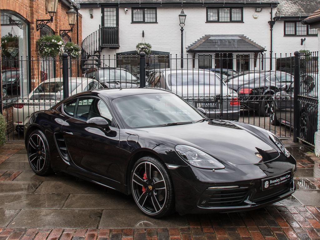 2018 Porsche  Cayman  718 Cayman S For Sale (picture 2 of 18)