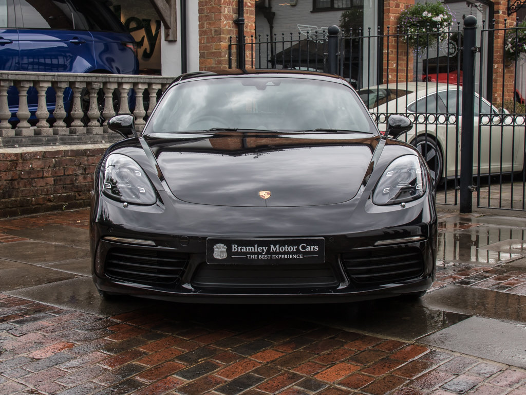 2018 Porsche  Cayman  718 Cayman S For Sale (picture 3 of 18)
