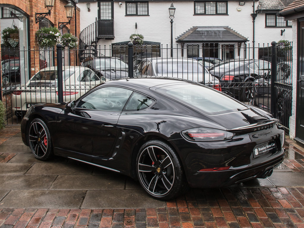 2018 Porsche  Cayman  718 Cayman S For Sale (picture 5 of 18)