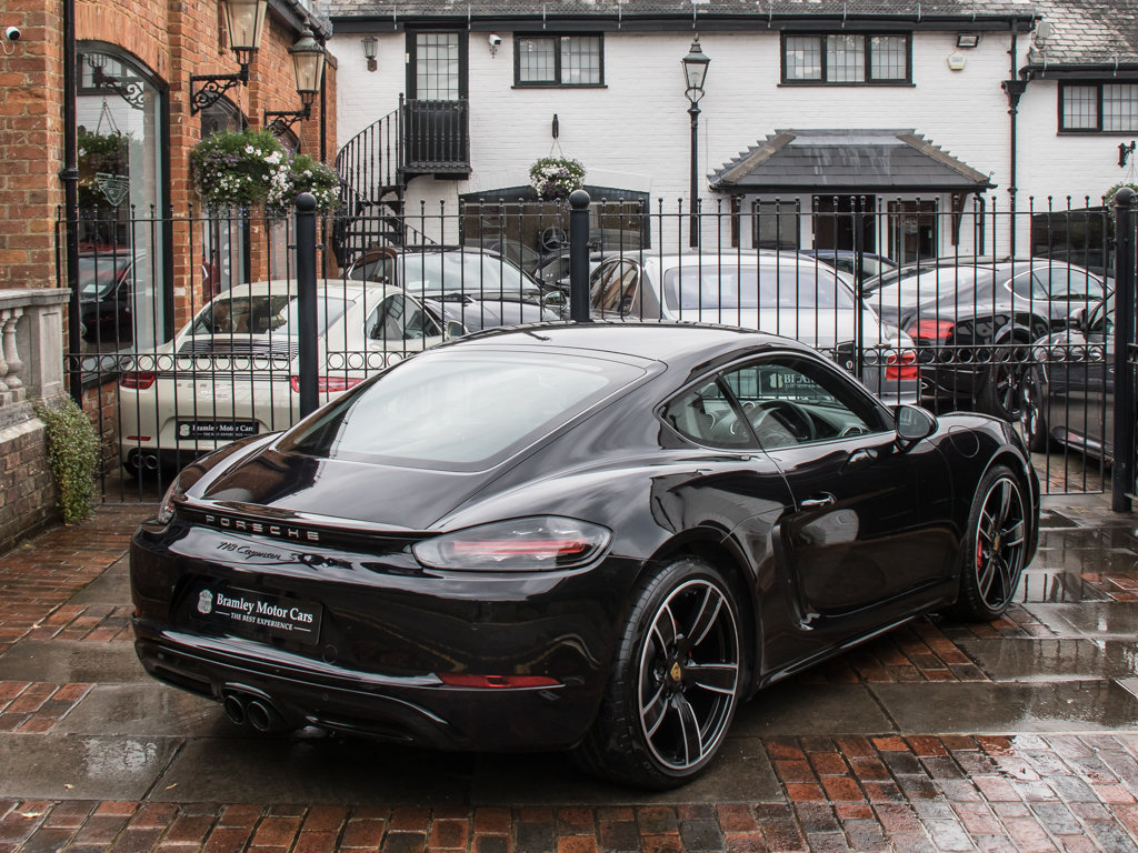 2018 Porsche  Cayman  718 Cayman S For Sale (picture 7 of 18)
