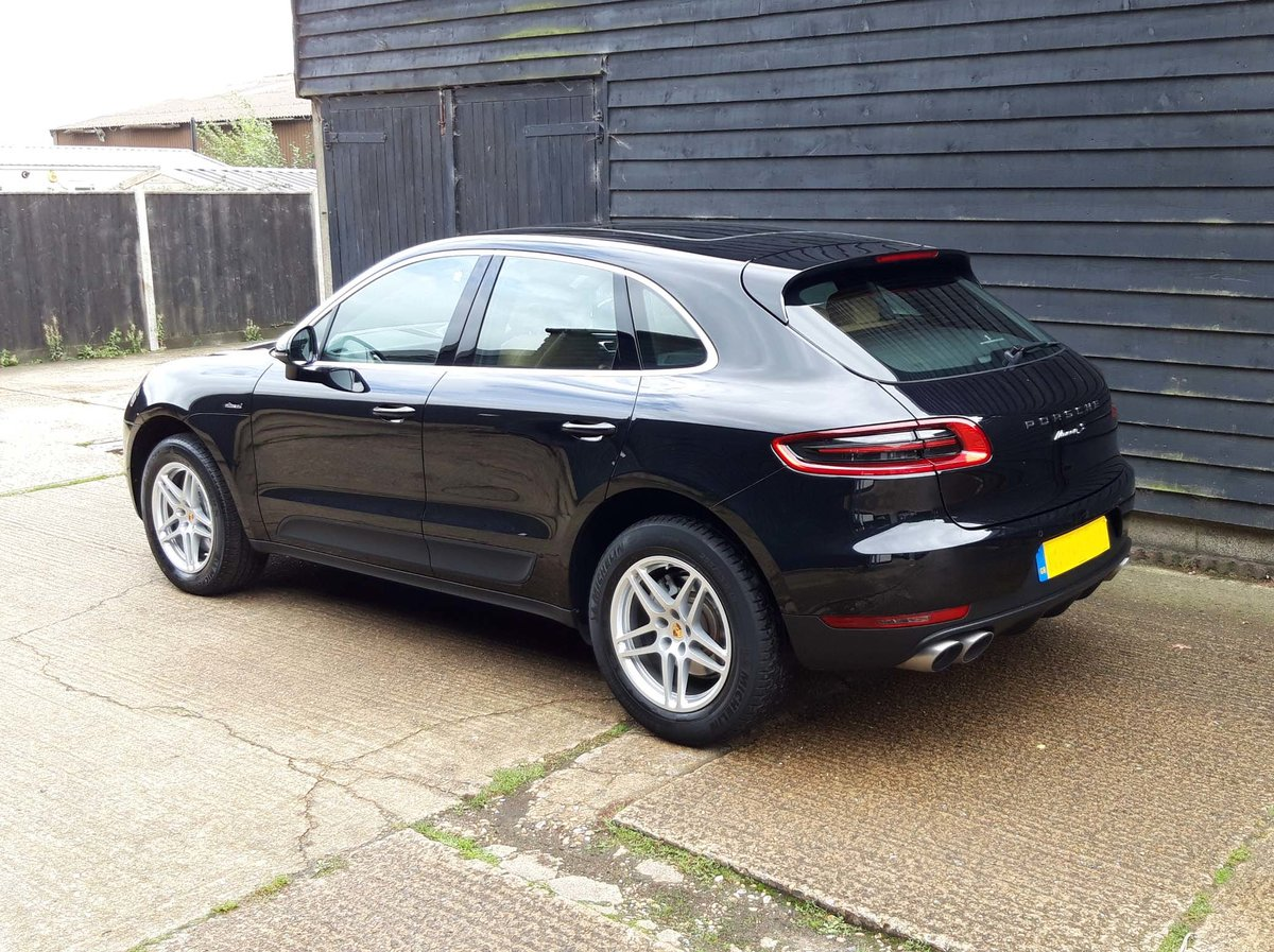 2016 PORSCHE MACAN 3.0TD V6 S (HUGE SPEC: S/Chrono, Pano, Bose) For Sale (picture 5 of 6)