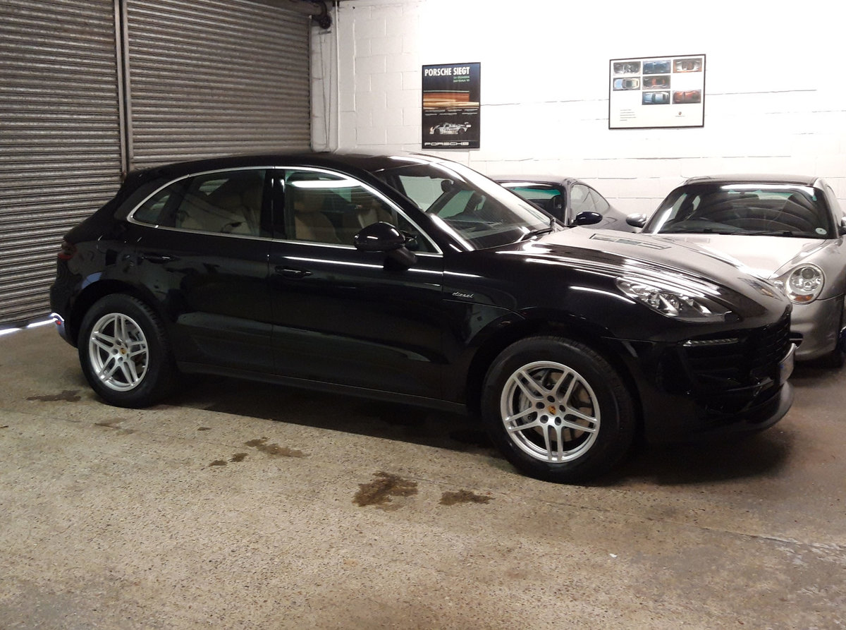 2016 PORSCHE MACAN 3.0TD V6 S (HUGE SPEC: S/Chrono, Pano, Bose) For Sale (picture 6 of 6)