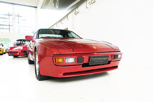 1983 Australian delivered, finished in Siena Red over Grey Beige For Sale