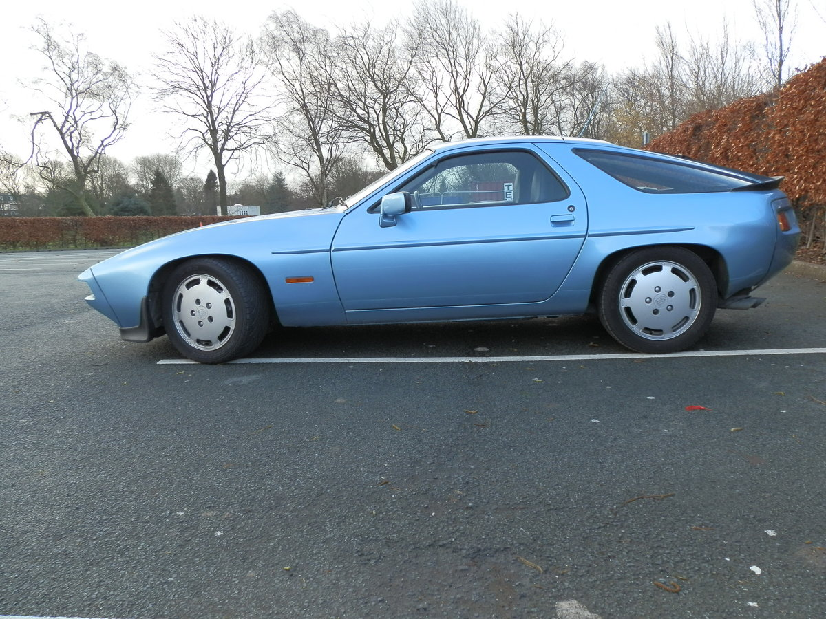 1985 PORSCHE 928 S2 - LOW MILEAGE - GREAT CONDITION For Sale (picture 2 of 5)