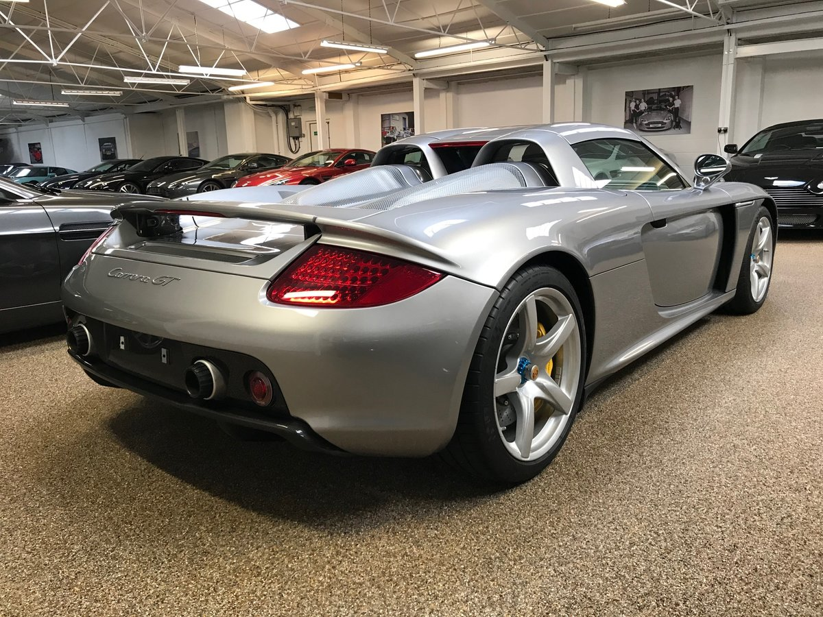 2004 PORSCHE CARRERA GT ** ONLY 6,700 MILES ** FOR SALE For Sale (picture 2 of 6)