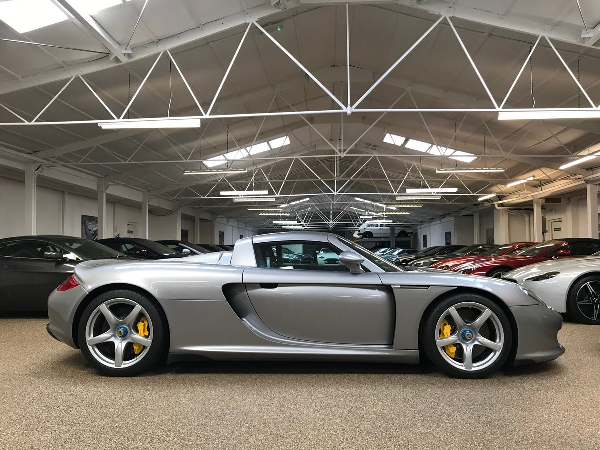 2004 PORSCHE CARRERA GT ** ONLY 6,700 MILES ** FOR SALE For Sale (picture 3 of 6)