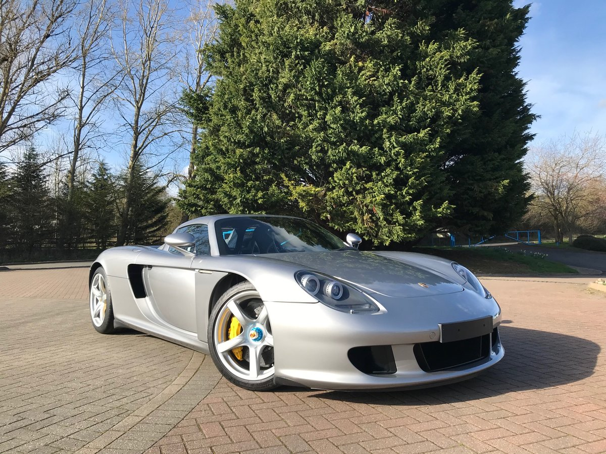 2004 PORSCHE CARRERA GT ** ONLY 6,700 MILES ** FOR SALE For Sale (picture 4 of 6)
