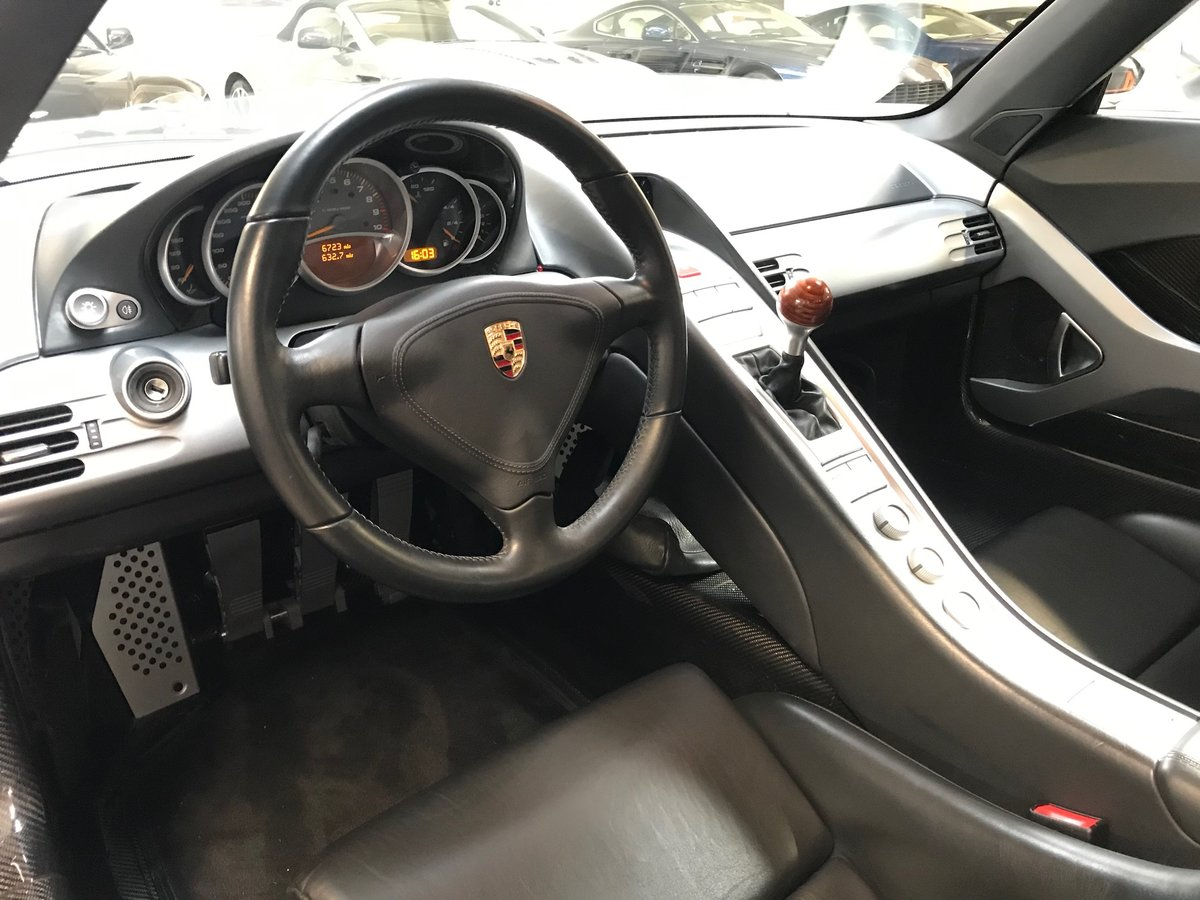 2004 PORSCHE CARRERA GT ** ONLY 6,700 MILES ** FOR SALE For Sale (picture 5 of 6)