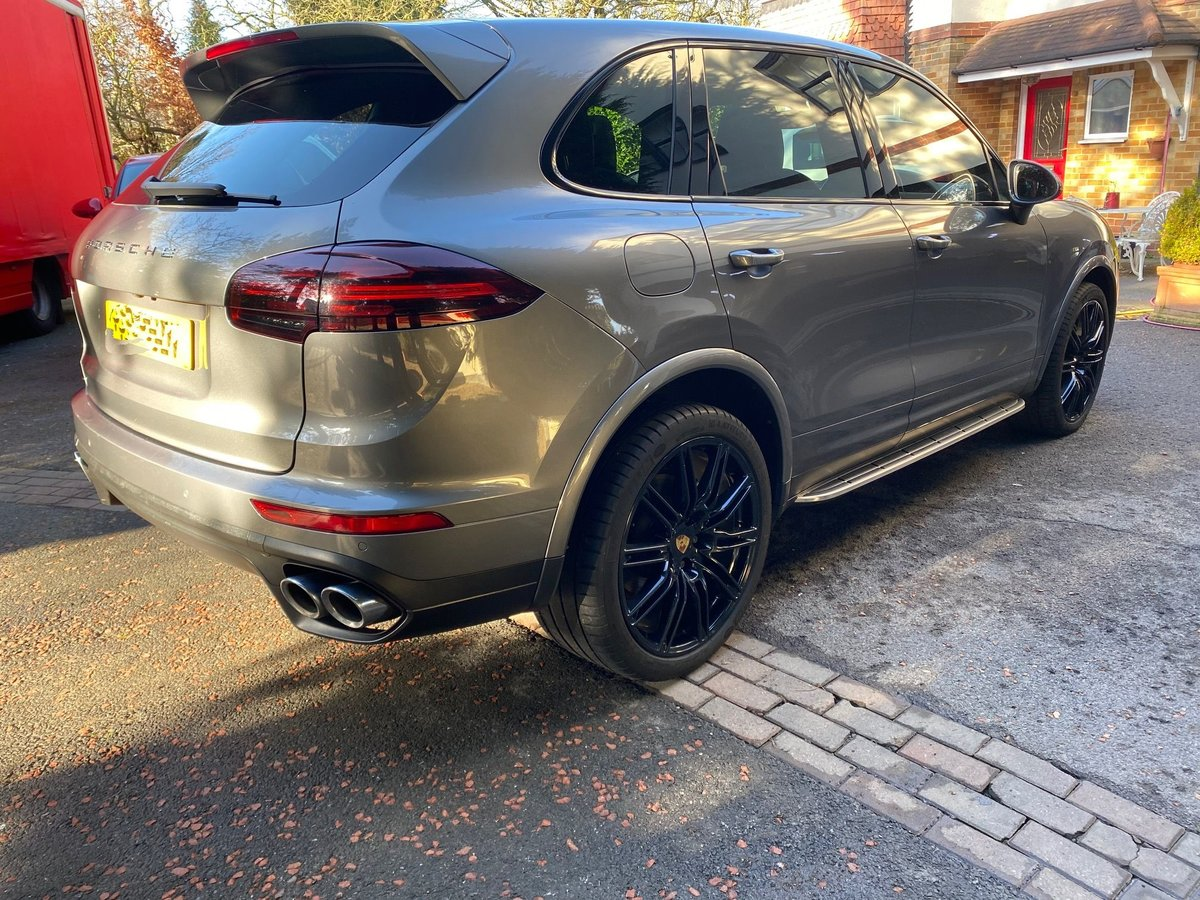 £31,950 : 2015 (2016 model) PORSCHE CAYENNE D V8 S TIPTRONIC For Sale (picture 3 of 6)