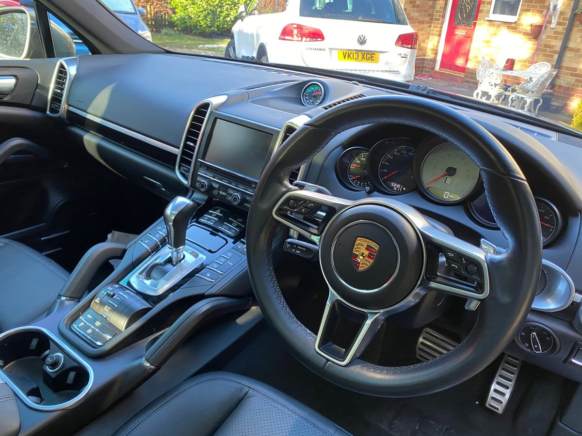 £31,950 : 2015 (2016 model) PORSCHE CAYENNE D V8 S TIPTRONIC For Sale (picture 5 of 6)