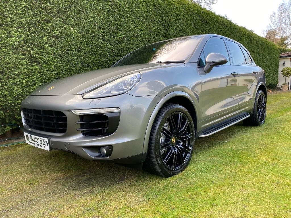 £31,950 : 2015 (2016 model) PORSCHE CAYENNE D V8 S TIPTRONIC For Sale (picture 2 of 6)