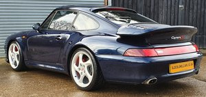Stunning Porsche 993 C2S - Factory Widebody Carrera 2S