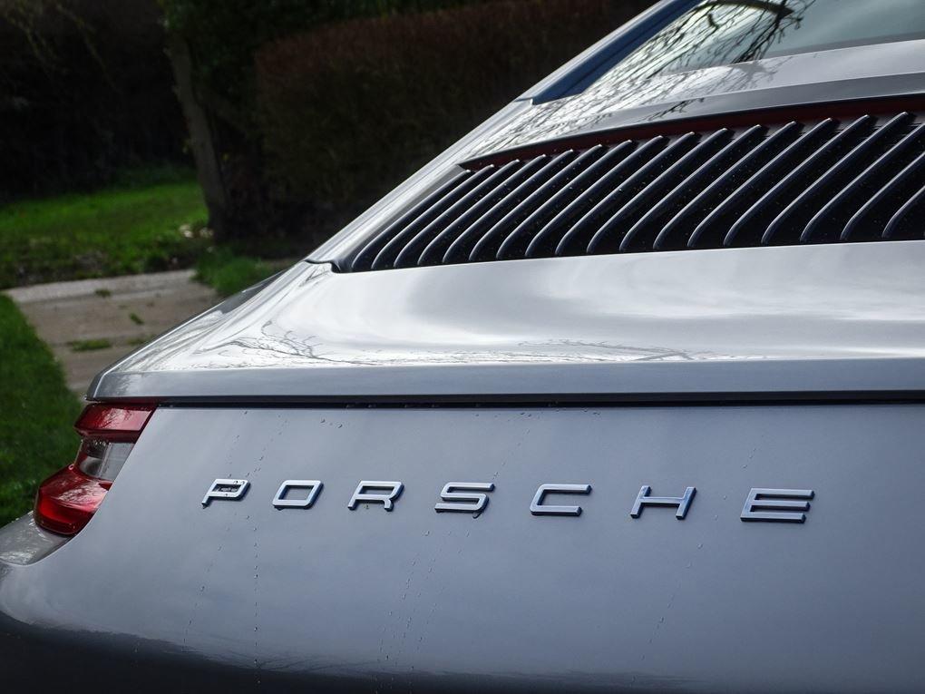2016 Porsche  911  CARRERA COUPE PDK AUTO  59,948 For Sale (picture 20 of 23)