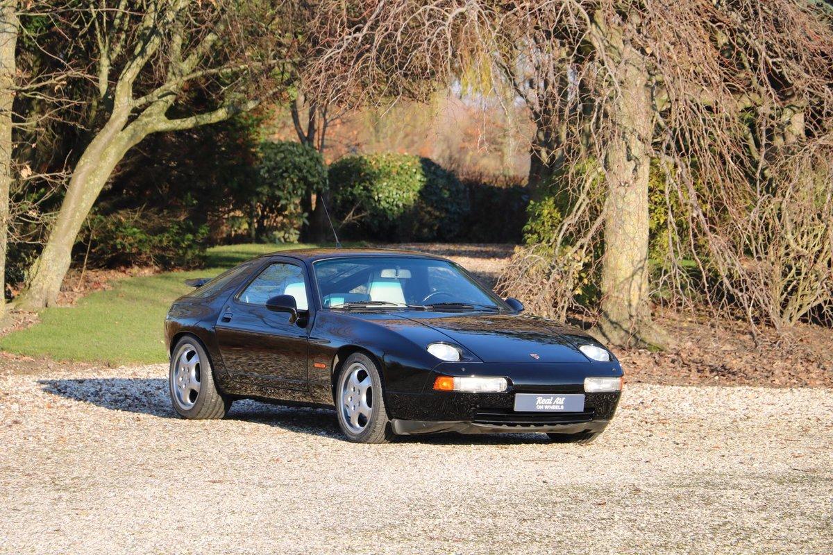 1992 Unique Porsche 928 GTS For Sale (picture 1 of 6)