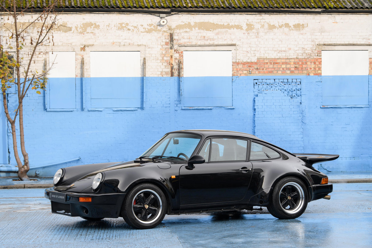 1977 1986 Porsche 911 SOLD (picture 1 of 14)
