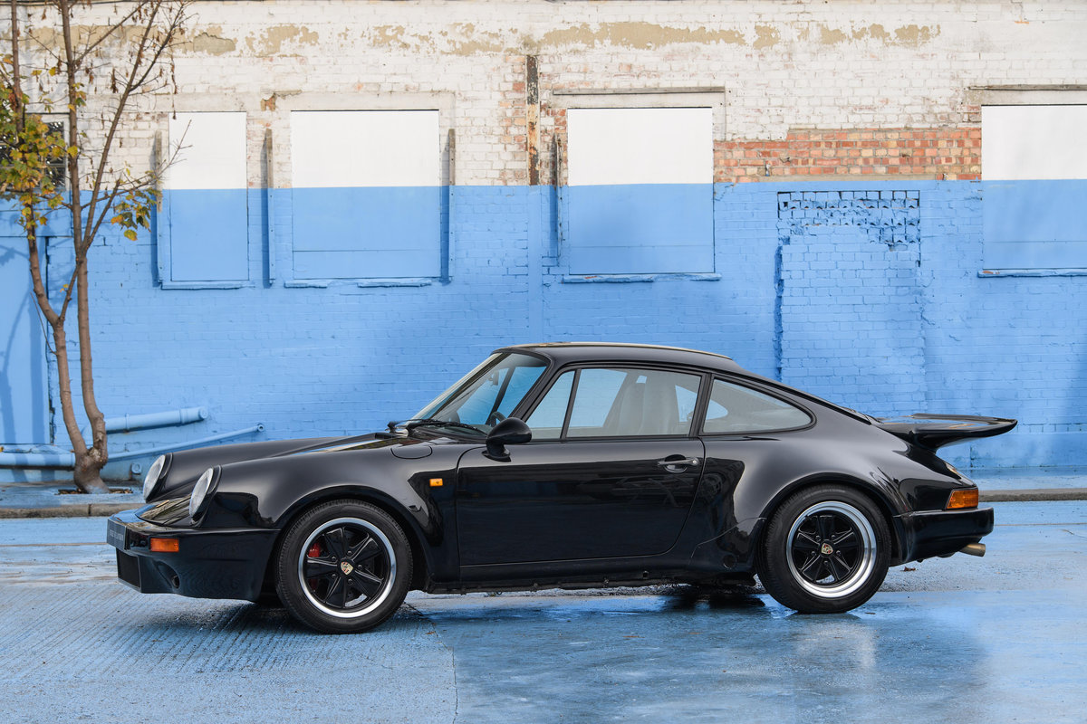1977 1986 Porsche 911 SOLD (picture 2 of 14)