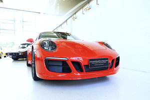 Picture of 2017 Stunning 991.2 Targa 4 in Lava Orange over Espresso, 2000 km SOLD