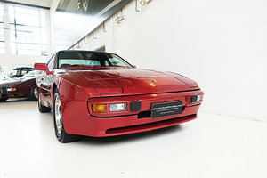 Picture of 1983 Australian delivered, finished in Siena Red over Grey Beige SOLD