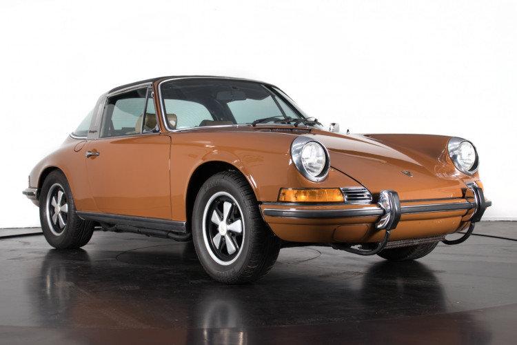 PORSCHE 911 2.4T - TARGA - 1972 For Sale (picture 1 of 6)